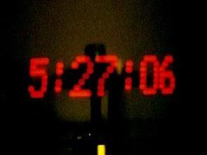Đồng hồ POV (Đèn LED hiển thị hình ảnh trong không khí)
