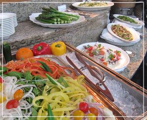 「カフェトスカ」にてランチブッフェ。野菜たんまり♪