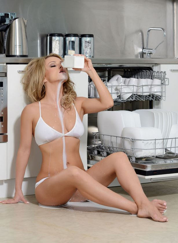 "Strictly Come Dancing"" babe Ola Jordan smoulders in her sexy new calendar shoot"