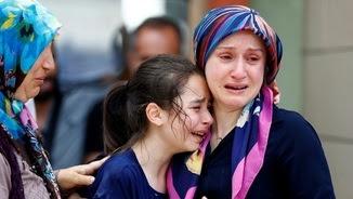 Fins ara s'han identificat 37 de les víctimes mortals en l'atemptat d'Istanbul (Reuters)