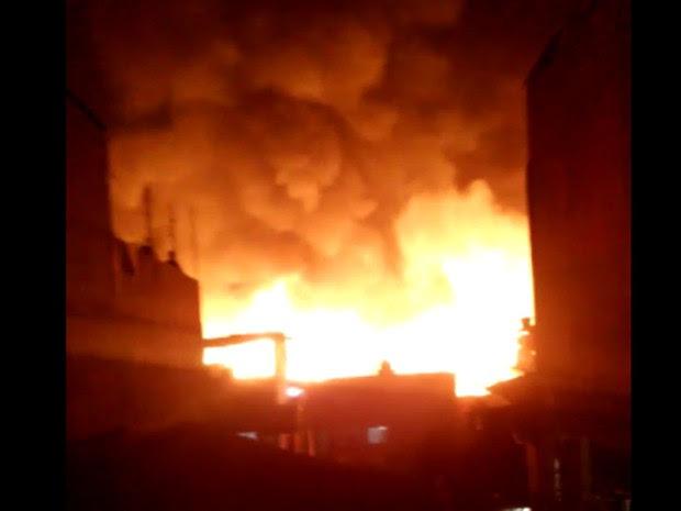 Incêndio atinge favela na Casa Verde, Zona Norte de São Paulo (Foto: Michelle Juliana Romão/Arquivo pessoal)