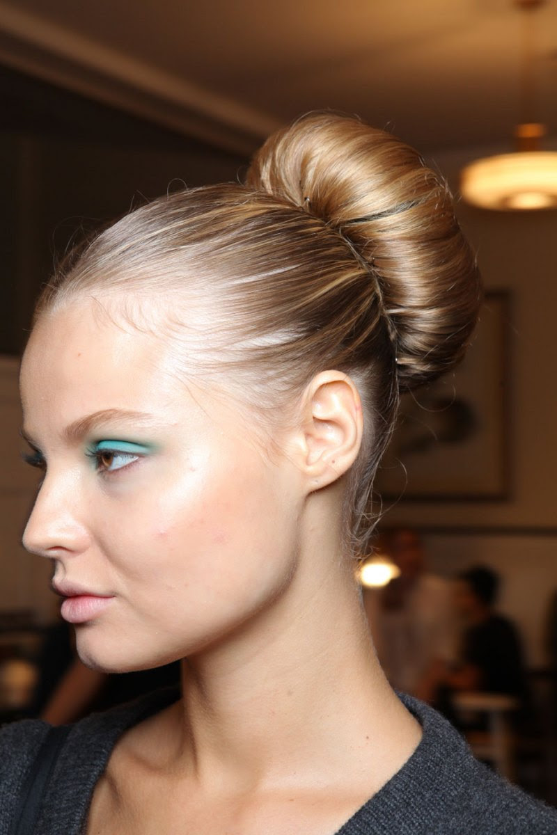 20 Unique Prom Hairstyles Ideas With Pictures - MagMent