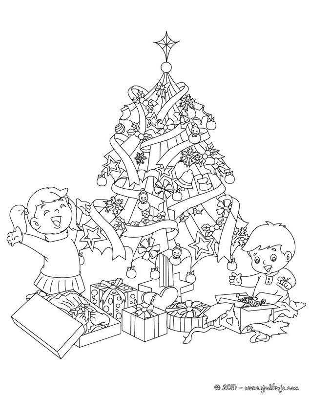 Dibujos Para Colorear El Arbol De Navidad Con Regalos Y Niños Es