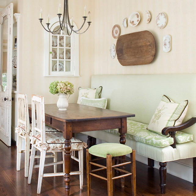 French Country  Breakfast Nook. Traditional Breakfast nook with custom bench. #BreakfastNook  #TraditionalBreakfastNook  #BreakfastNookFurniture  Katie Emmons Design.