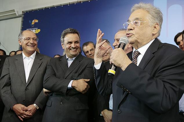 Ex-presidente Fernando Henrique Cardoso discursa ao lado de Geraldo Alckmin e Aécio Neves em evento, em São Paulo