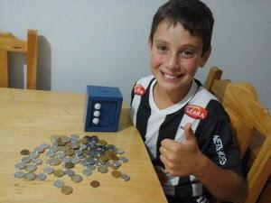 Menino está guardando dinheiro para personalizar o fusca e para a faculdade (Foto: Arquivo Pessoal)