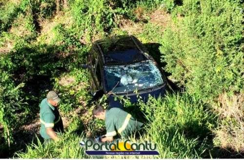 Guaraniaçu - Ultrapassagem forçada faz outro veículo sair da pista e cair em barranco