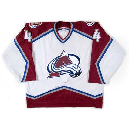 Colorad Avalanche 2001-02 jersey photo ColoradAvalanche2001-02Fjersey.jpg