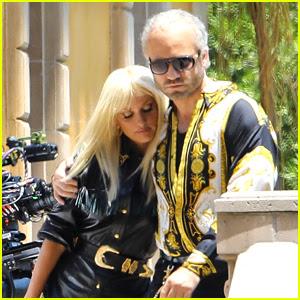 Penelope Cruz & Edgar Ramirez Wear Coordinating Outfits on 'Versace' Set