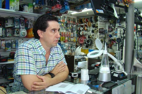 Santa Rosa | Un comerciante aclara por un robo de auriculares