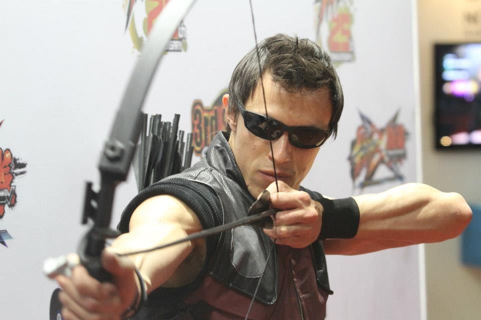 http://fc01.deviantart.net/fs70/f/2012/305/4/0/hawkeye___the_avengers___edu_kiss___cosplay_by_edukiss-d5jp31k.jpg