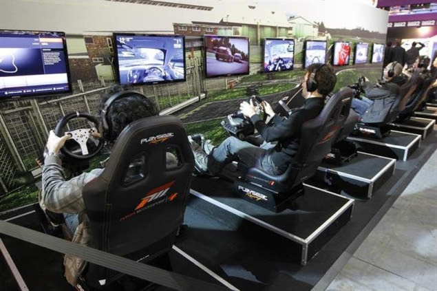 car-racing-video-game-635.jpg