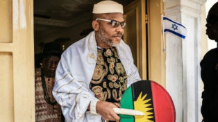 Nigerian army invade IPOB leader Nnamdi Kanu's home, allegedly shoot support