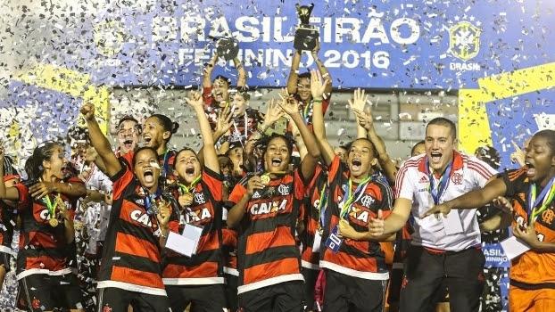 Para jogar Libertadores masculina, clubes terão que montar time feminino
