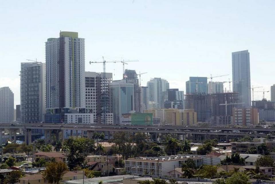 En Miami conviven a muy corta distancia los de menos ingresos con la opulencia de Brickell.