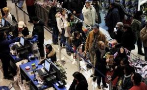 La confianza del consumidor de EE.UU. sube a su cota más alta en casi seis años. EFE