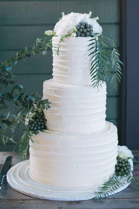 Imogen & Ben's Elegant Waterside Wedding