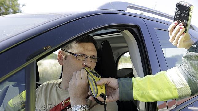 Adiós a conducir ebrio: la DGT de Estados Unidos presenta un sistema que bloquea el vehículo