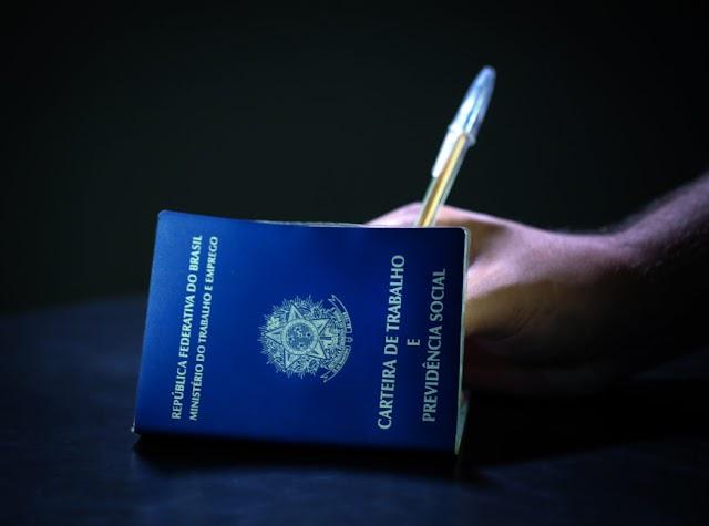 Brasil fecha 10.984 vagas com carteira assinada em junho