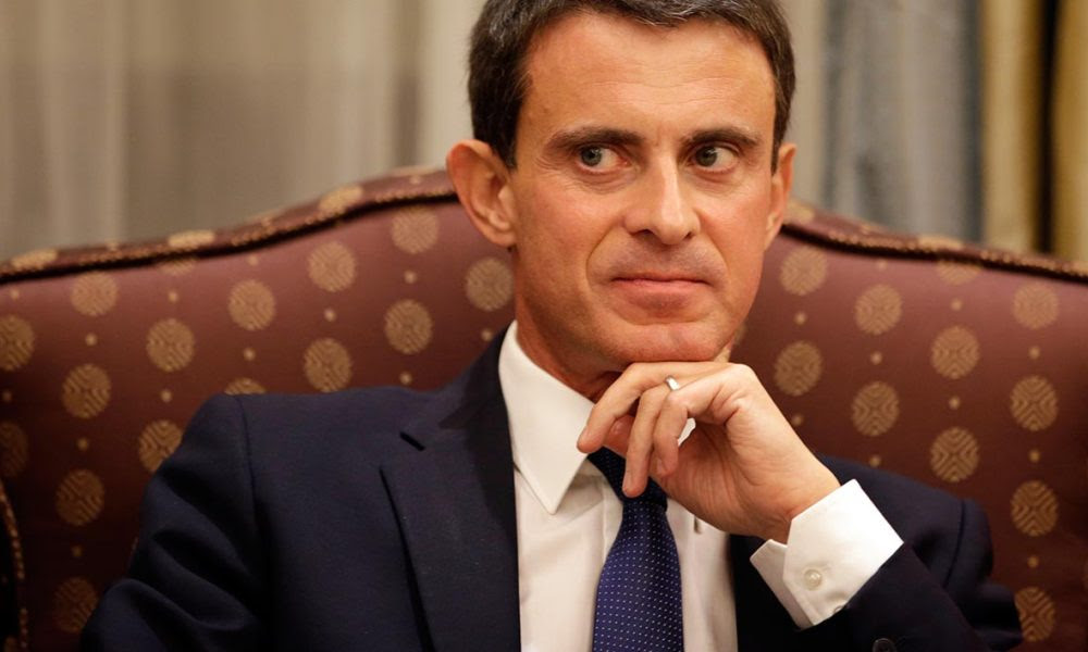 French Prime Minister Manuel Valls attends a meeting with Saudi officials in Riyadh on October 13, 2015. France announced a series of deals worth 10 billion euros ($11.4 billion) with Saudi Arabia to reinforce links with the conservative Islamic kingdom despite persistent criticism from rights activists of the kingdom's record on civil liberties. AFP PHOTO / KENZO TRIBOUILLARD