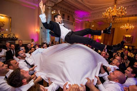 Jewish wedding photographer in London   Mike Garrard