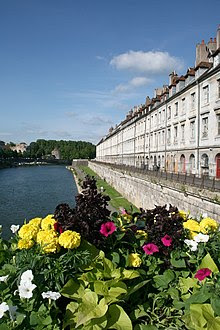 0 Besançon - Doubs - Quai Vauban (3).JPG