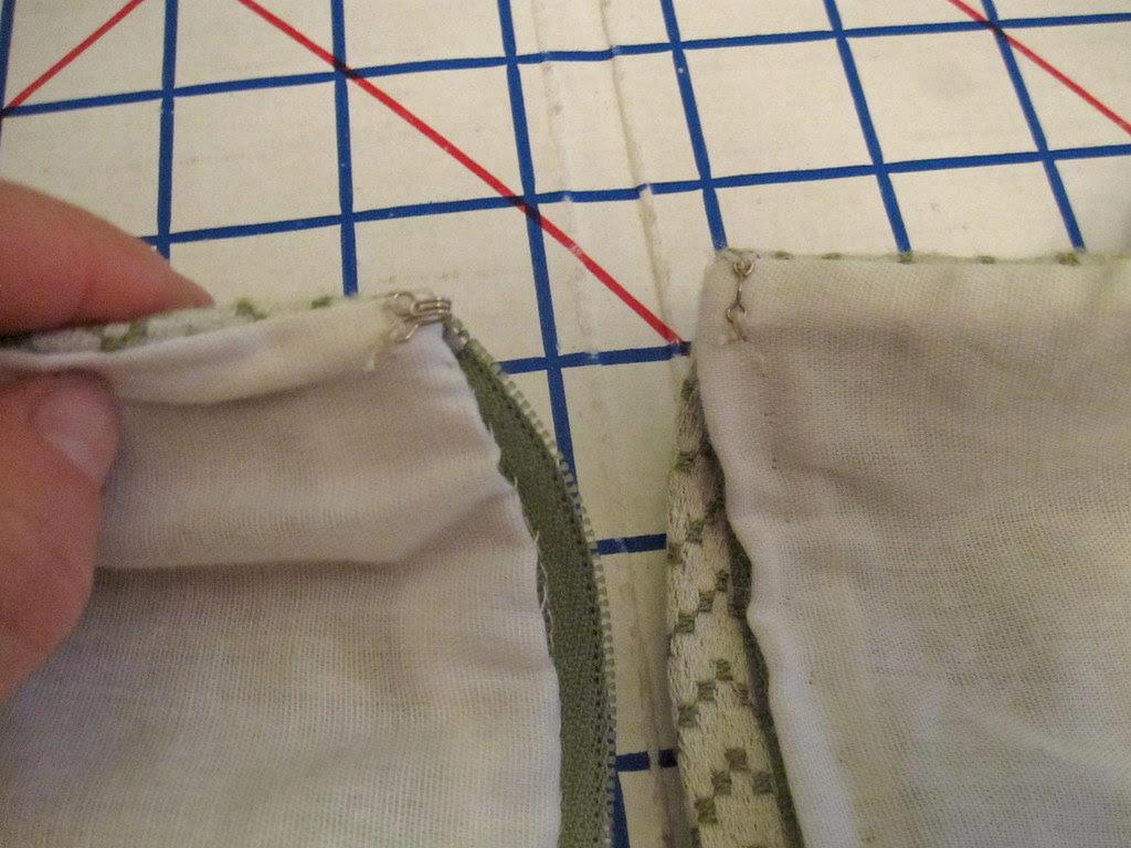 Lining Finish at Zipper