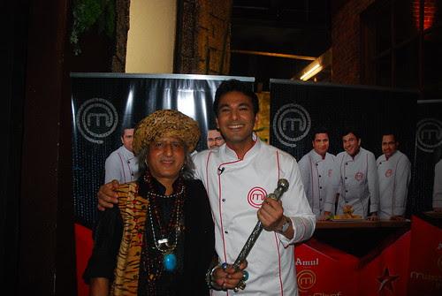 Master Chef Vikas Khanna .. Said Yar Tujh Main Bhi Blogging Ka Bada Junnon Hai by firoze shakir photographerno1