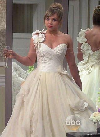 WornOnTV: Kristin?s wedding dress #1 on Last Man Standing