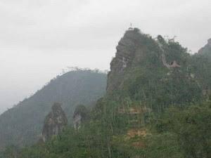 Homestay Suroloyo, Puncak Suroloyo, Mitos Negeri Kahyangan, dan Negeri Di Atas Awan, Paket Wisata Yogyakarta