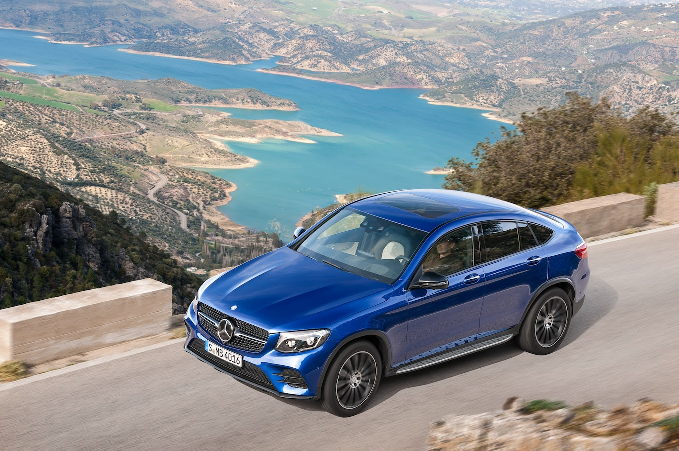 2017 Mercedes-Benz GLC Coupe First Look Review - Motor Trend