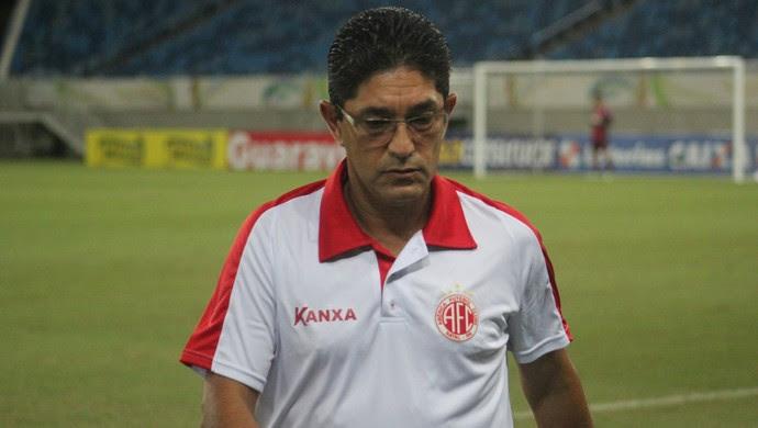 Sérgio China - técnico do América-RN (Foto: Fabiano de Oliveira)