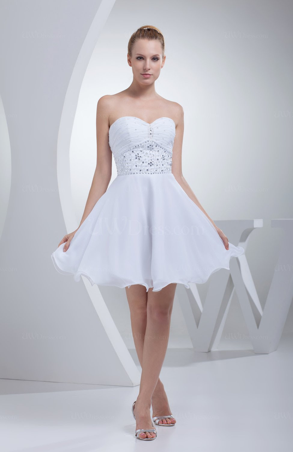 white cute sweetheart sleeveless zip up chiffon short prom
