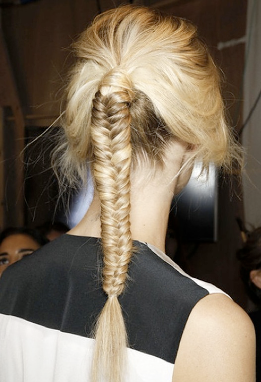HAIR INSPIRATION BUNS TOP KNOTS BRAIDS MESSY TOUSLED PONYTAILS WRAP OMBRE BACKSTAGE HAIR RUNWAY IDEAS Jean-Pierre Braganza Fishtail braid 2