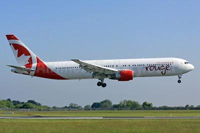 Air Canada rouge (Air Canada) Boeing 767-33A ER C-GHPE (msn 33423) DUB (Paul Doyle). Image: 912425.