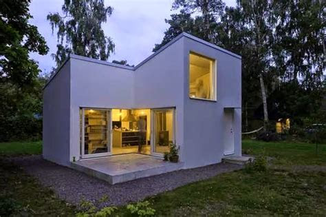 compact casual white cube house design simple  ideal