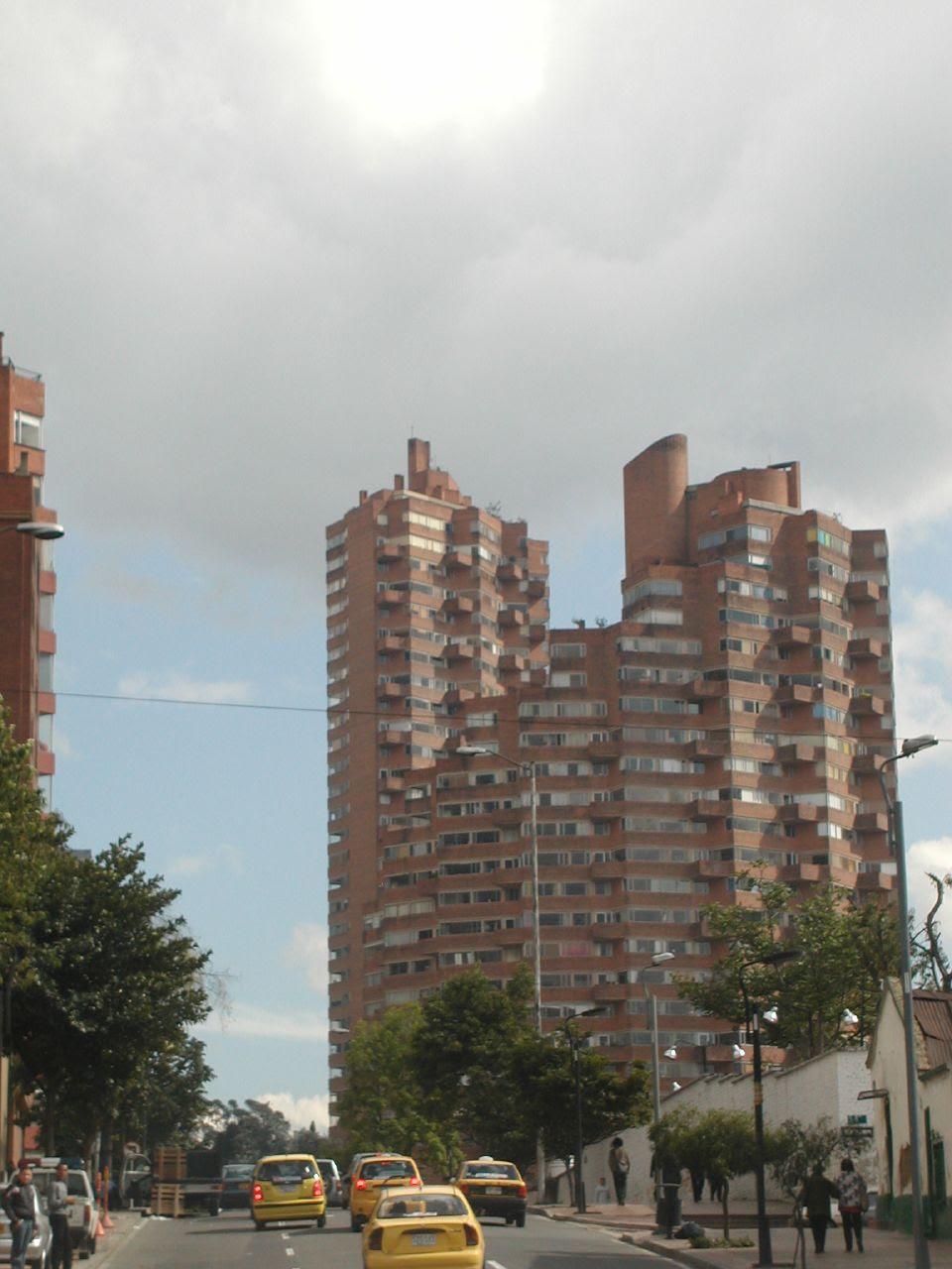 Vivienda Colectiva, Torres del Parque, Rogelio Salmona, arquitectura