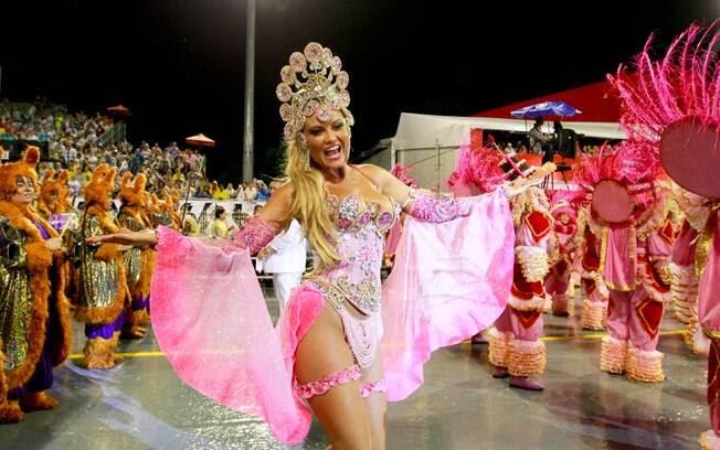Ellen Roche, rainha de bateria da Rosas de Ouro - primeira noite de desfiles em São Paulo. Foto: Claudio Augusto