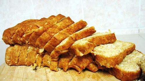 buono bread - sliced