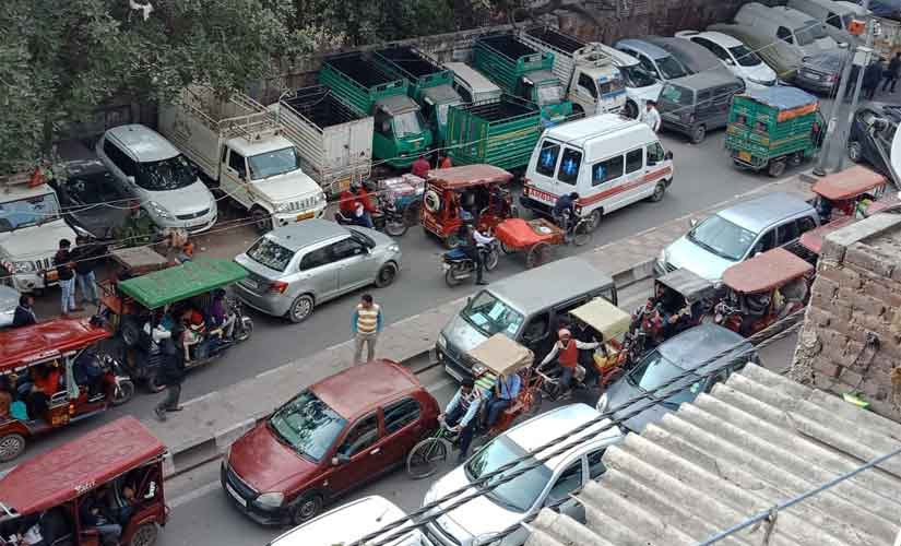 Traffic chaos a regular feature at GB Road which is a part of Matia Mahal and Ballimaran Assembly seats. Debobrat Ghose/Firstpost