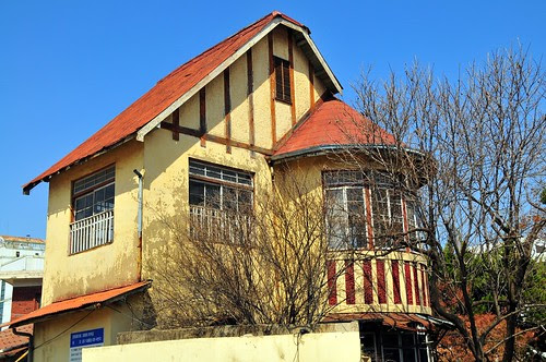 Daeheung-dong Pointy Roof House