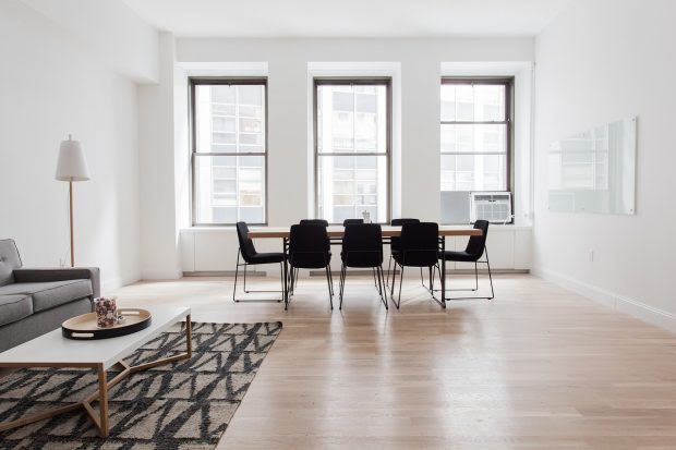 5 Reasons to hire a professional flooring company instead of DIY