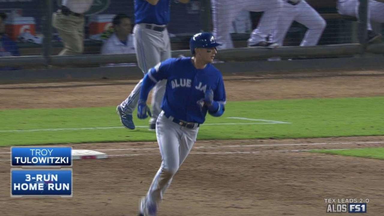 Tulowitzki, Estrada impulsan a Azulejos sobre Rangers en el Juego 3