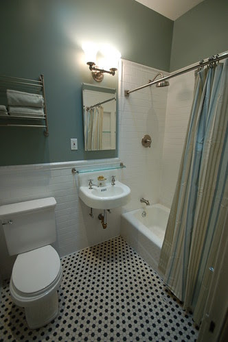 2nd floor Hall Bath