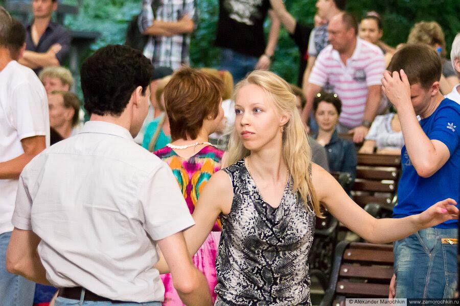 Москва, Екатериниский парк, танцевальная площадка