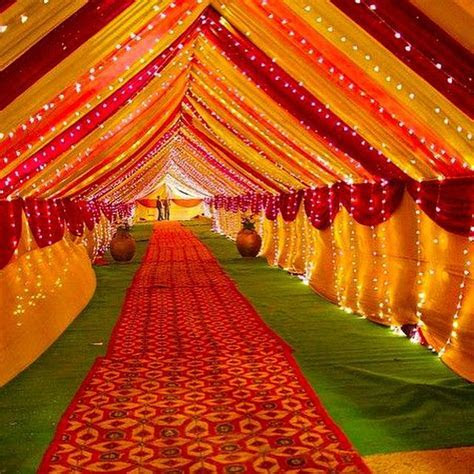 For the love of Indian wedding decor ? tag someone who's
