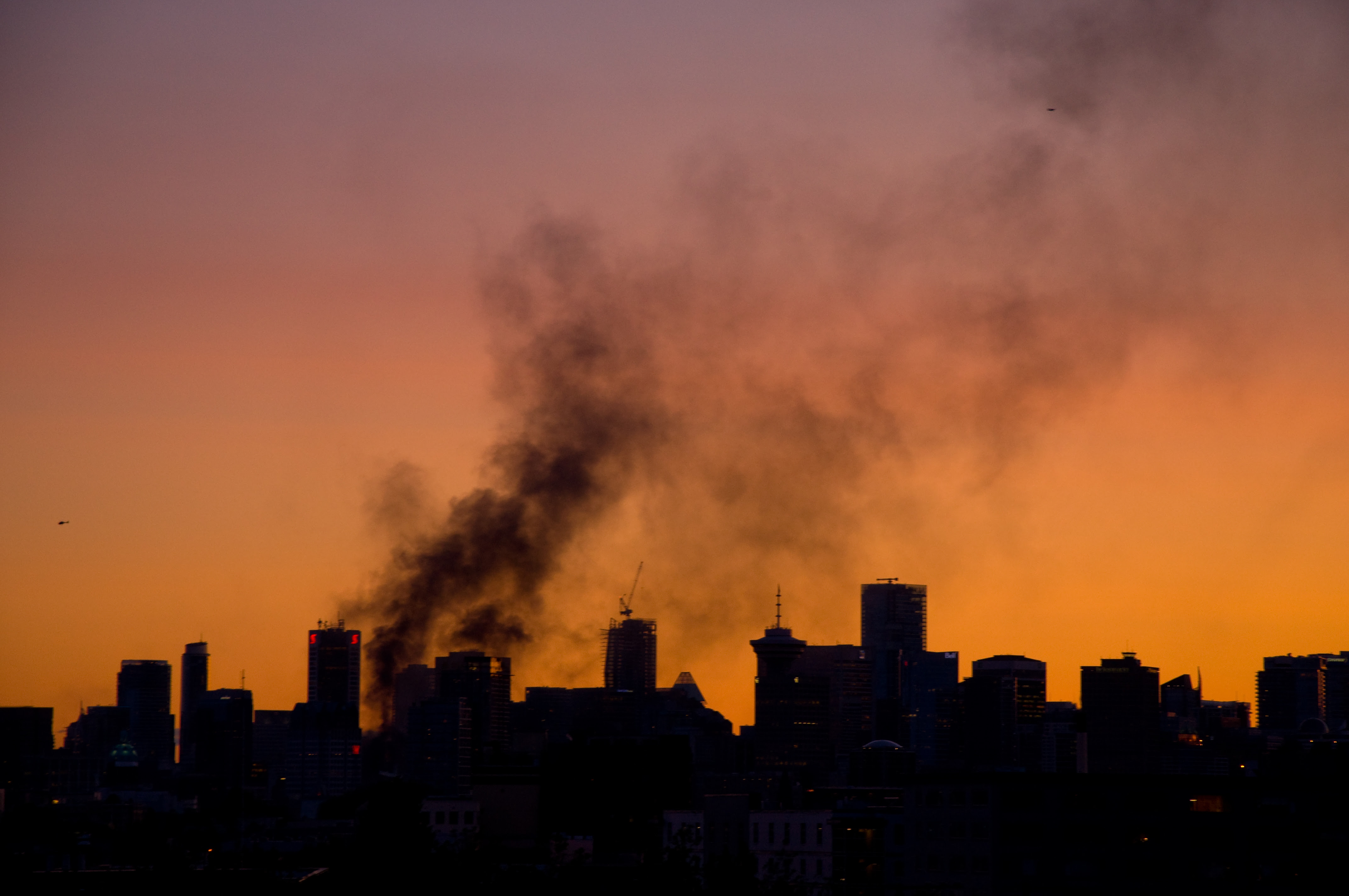 http://upload.wikimedia.org/wikipedia/commons/0/06/Smoke_Over_Vancouver.jpg