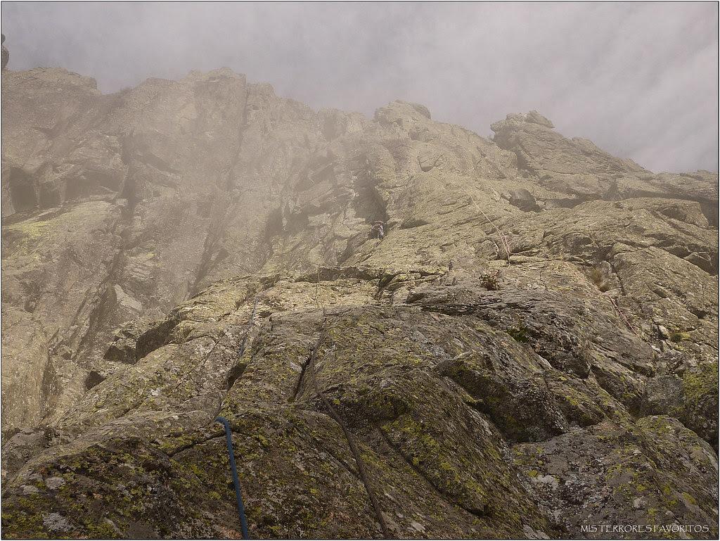 PUNTA AMPARO - VÍA NURIA DE LOS HIGHLANDS 120 m ED 6c