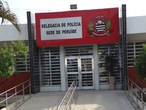 Caso foi registrado na Delegacia Sede de Peruíbe (Foto: Cássio Lyra / G1)