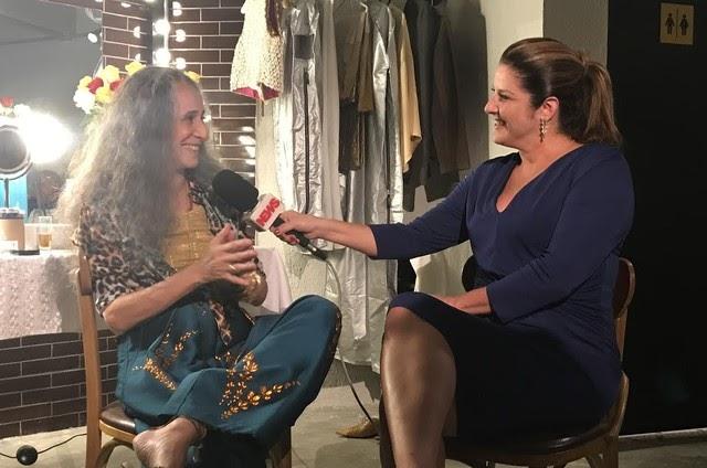 """Bethânia chama nova turnê de """"Show de rua"""", em entrevista para Christiane Pelajo"""